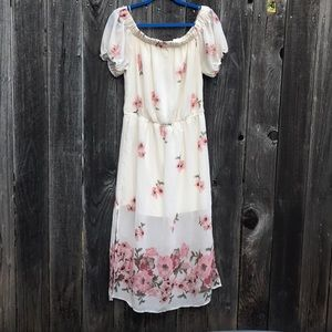 ✨NWT Off the Shoulder Floral Dress from Blush XL✨
